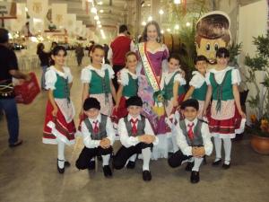 Ballo Del Bambino e a Rainha da etnia Italiana